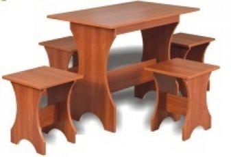 Стол раскладной + 4 табурета жесткие