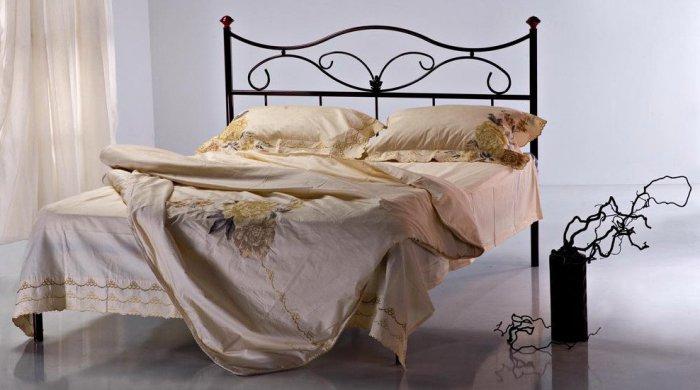 Двуспальная кровать 100Д47