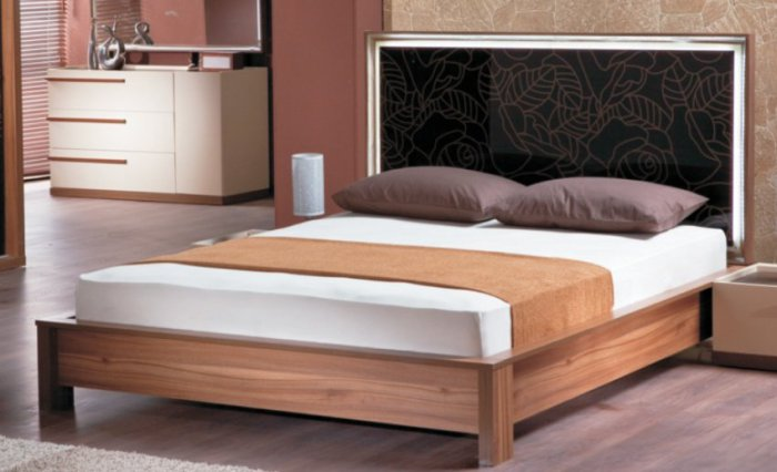 Двуспальная кровать Эмбавуд Венеция 160